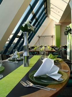brunch restaurant setos. Black Bedroom Furniture Sets. Home Design Ideas